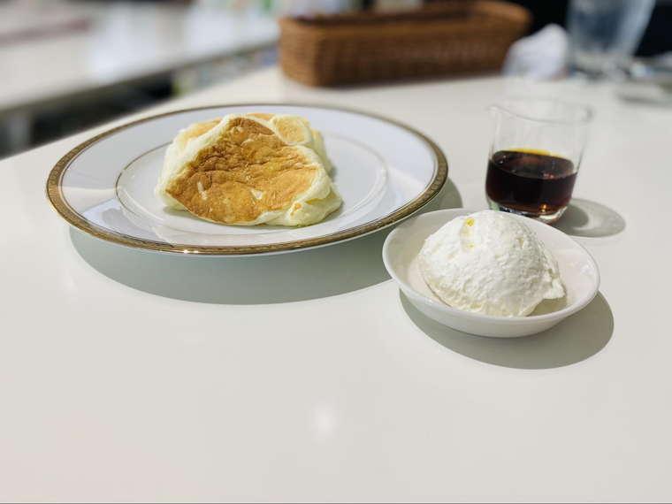 六花亭 帯広本店 2階喫茶室 リコッタパンケーキ