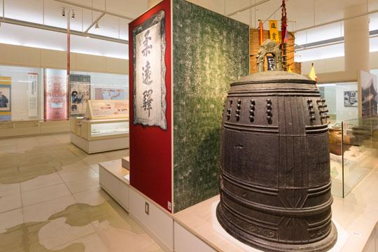 博物館には琉球王朝時代の貴重な品々を展示