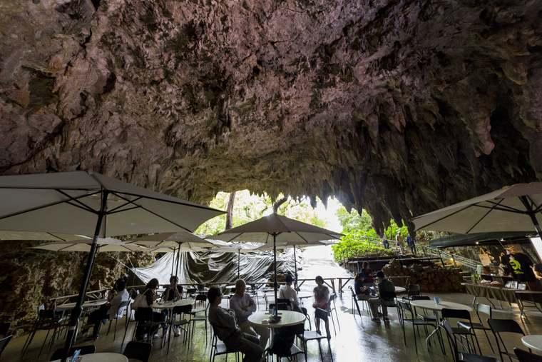 沖縄パワースポット ガンガラーの谷 ケイブカフェ