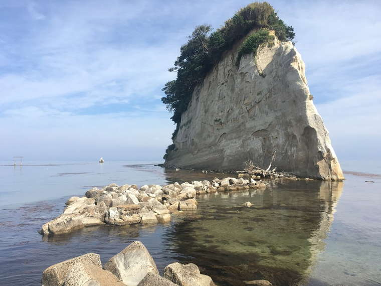 奥能登絶景海道 見附島(軍艦島)