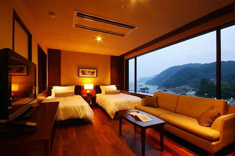 日和山温泉 ホテル 金波楼 モデレート和洋室からの眺望