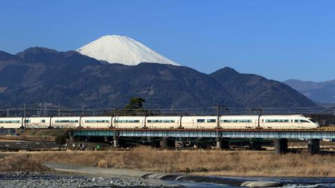 車なしでもOK!東京から電車・バスで1本で行ける温泉地