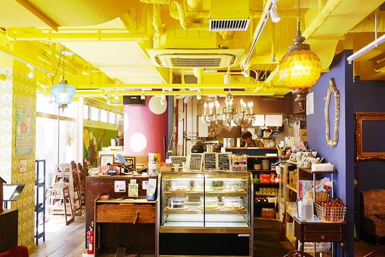 cafe 太陽の塔NAMBA CITY店