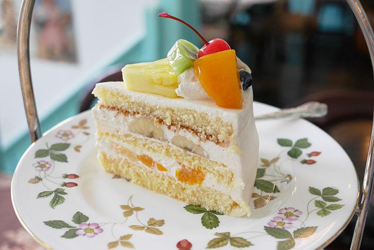 大阪 カフェ 北浜レトロ ミックスジュースのショートケーキ