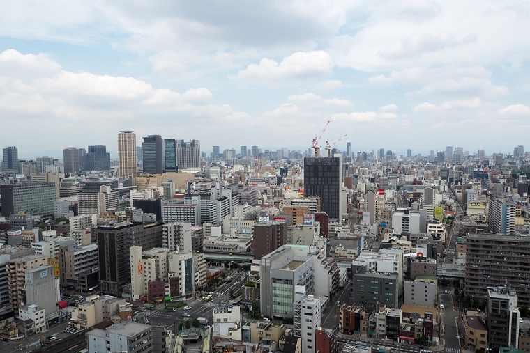 大阪の街が一望できる通天閣の展望台