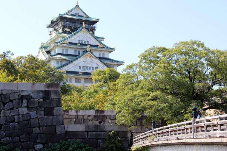 大阪城公園の中心にある大阪城天守閣