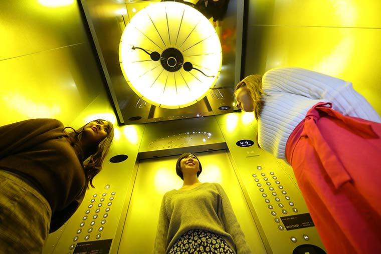 ザ パーク フロント ホテル アット ユニバーサル・スタジオ・ジャパン エレベーター