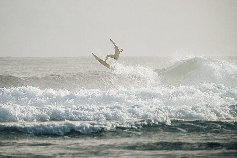 サーフィング