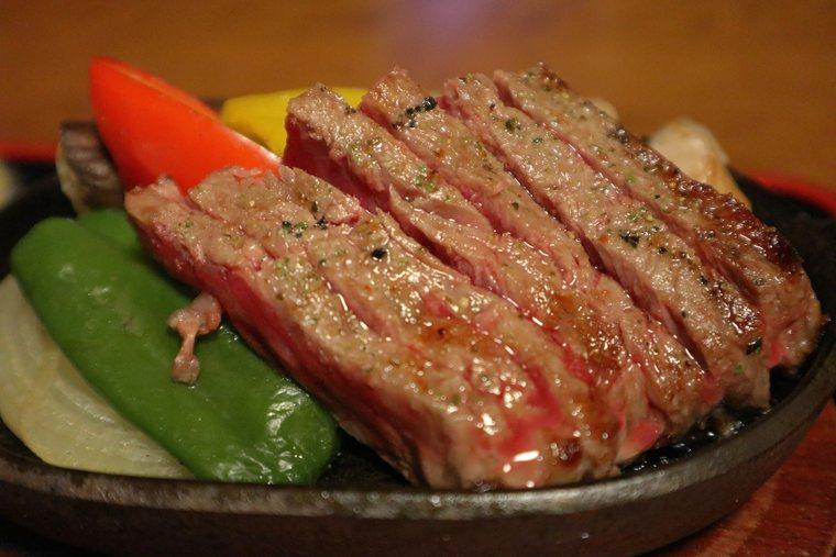 猿ヶ京温泉 料理旅館樋口 料理 上州牛ミニステーキ