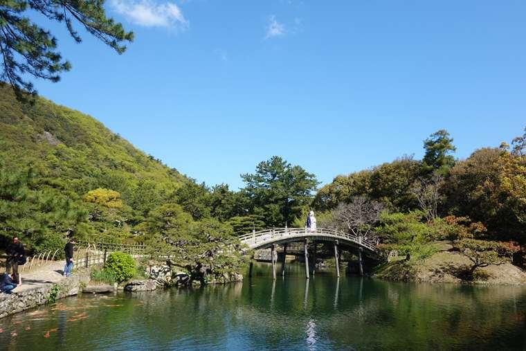 偃月橋とたもとにある吹上亭