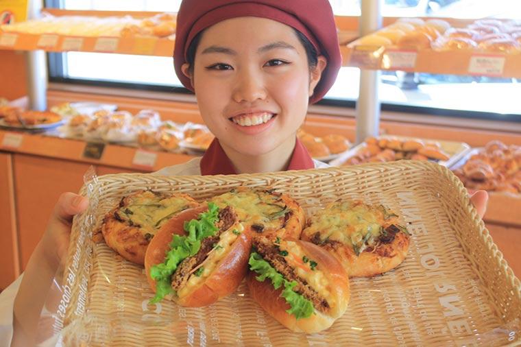 穴子ピザと穴子サンド