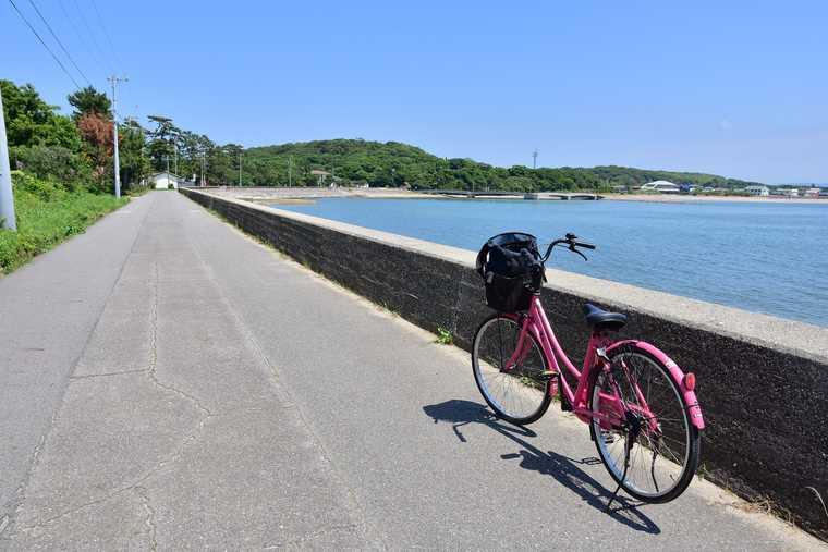 佐久島 東側の海沿い道路