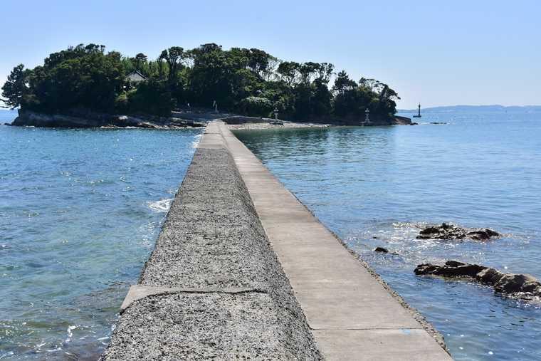 佐久島から歩いて渡れる筒島