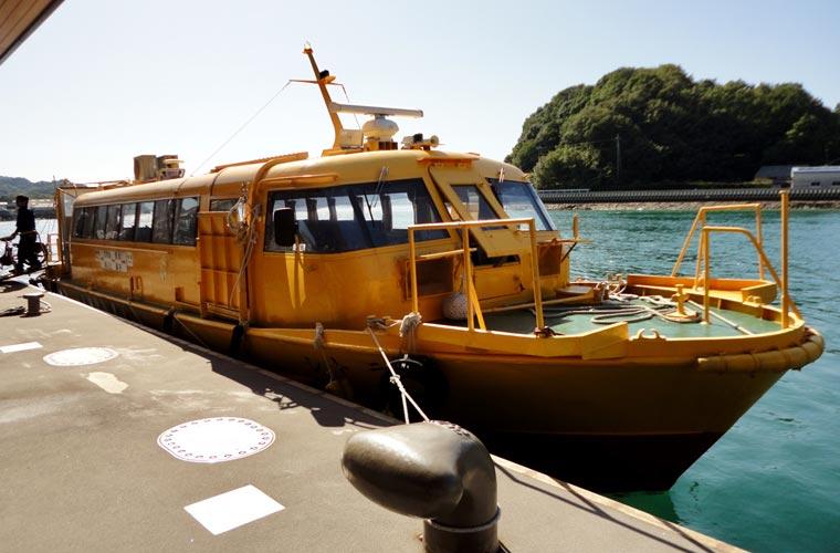 尾道港から瀬戸田港へ向かう連絡船「シトラス号」