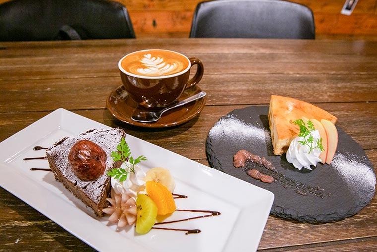 小布施栗のガトーショコラ キャラメルりんごチーズケーキ