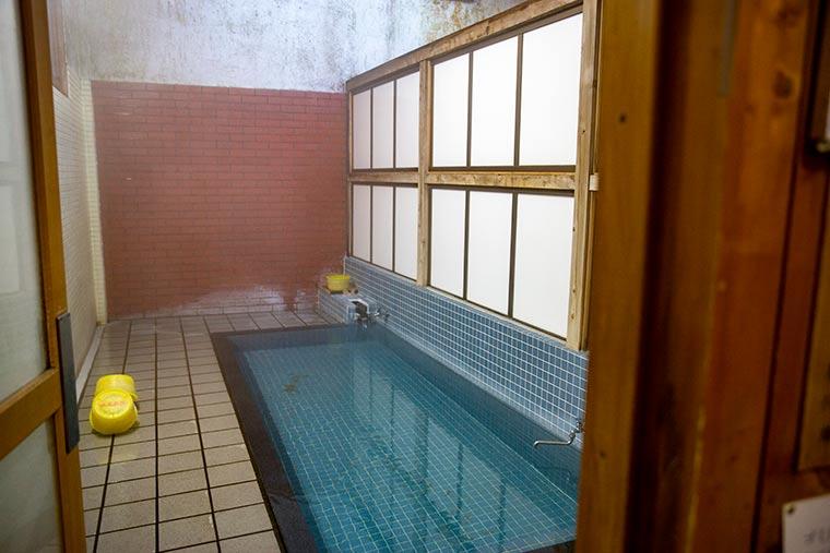 6番湯 浴室