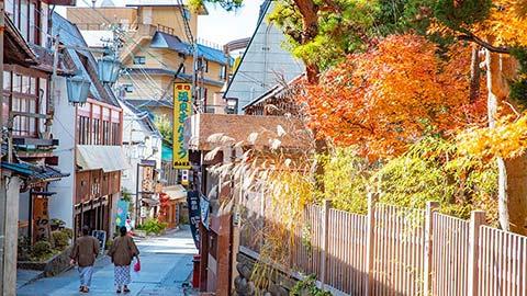 湯めぐりとそぞろ歩きの名スポット「渋温泉」は女子旅におすすめ!