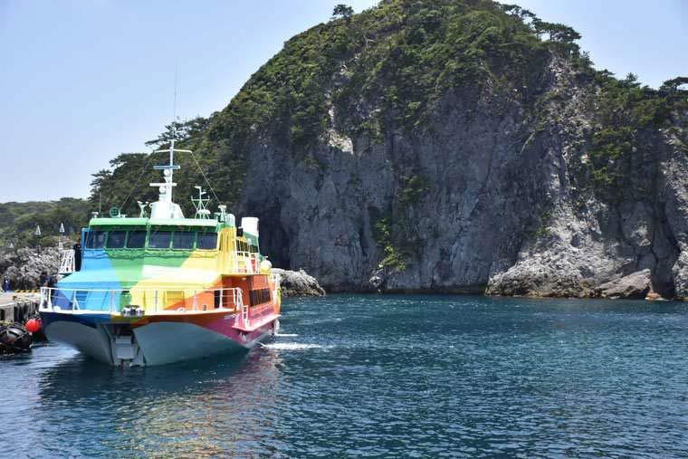 竹芝桟橋から式根島 ジェット船