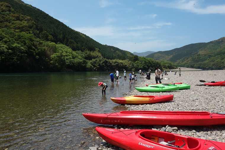 四万十カヌーとキャンプの里 かわらっこのカヌー体験