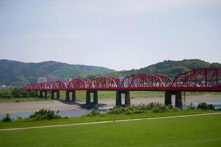 四万十川にかかる赤鉄橋