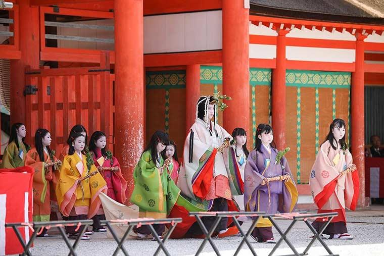 下鴨神社の「葵祭」