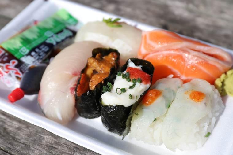 唐戸市場 お寿司(ふぐ・ふぐ白子・ウニ・タイ・ブリ・サーモン)