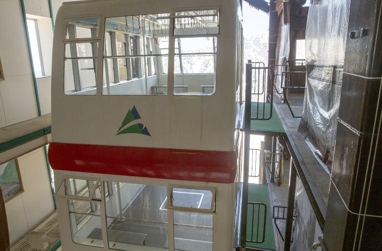 日本で唯一の2階建てのロープウェイ