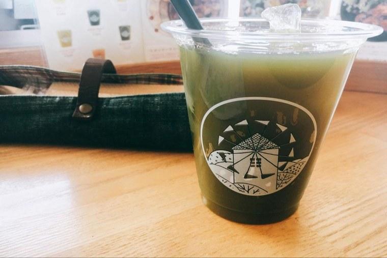 カフェ「OLIVAZ」の野菜ジュース