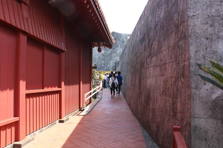 奉神門の横側