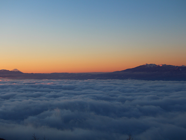 星空観測を楽しむ温泉旅 高峰高原ホテル 雲海の絶景