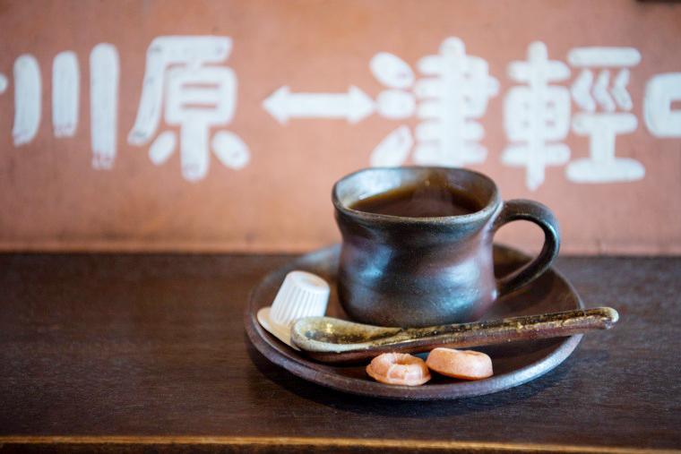 「津軽鉄道」ストーブ列車 赤い屋根の喫茶店「駅舎」