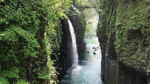 高千穂峡で家族と一緒に日本の神話と自然を体験しよう!