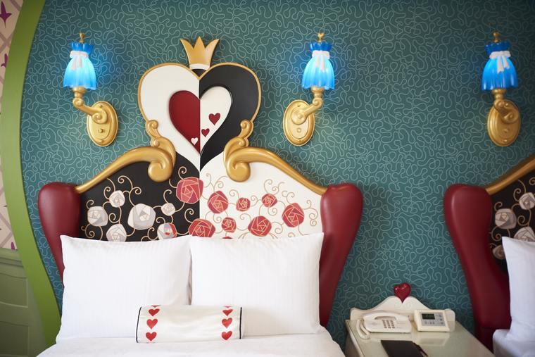 東京ディズニーランドホテル「ディズニーふしぎの国のアリスルーム」