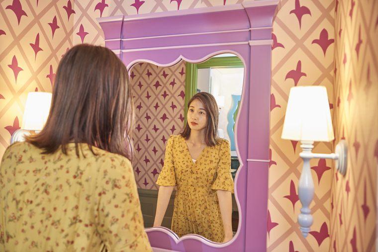 東京ディズニーランドホテル「ディズニー不思議の国のアリス」ドレッサー 谷川りさこ