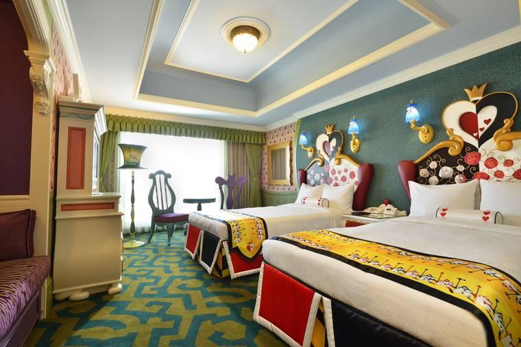 東京ディズニーランドホテル 「ディズニーふしぎの国のアリスルーム」