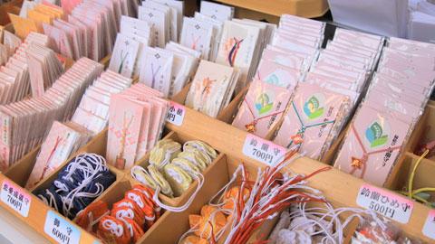 ご縁を結ぶ「東京大神宮」に女性の願いを叶える「赤城神社」