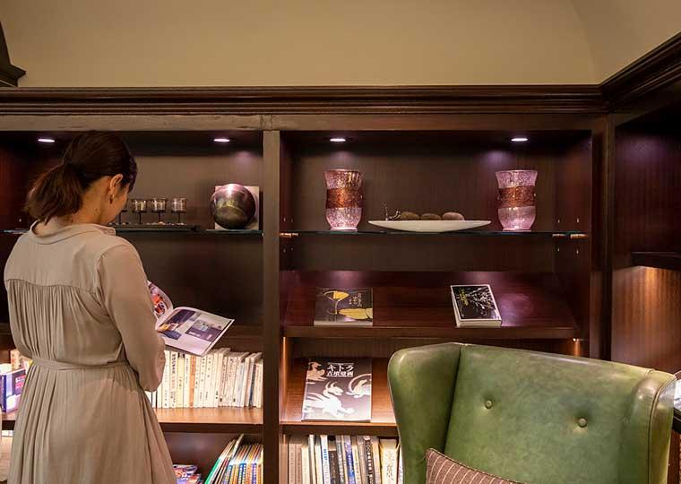東京ステーションホテル アトリウム ライブラリー