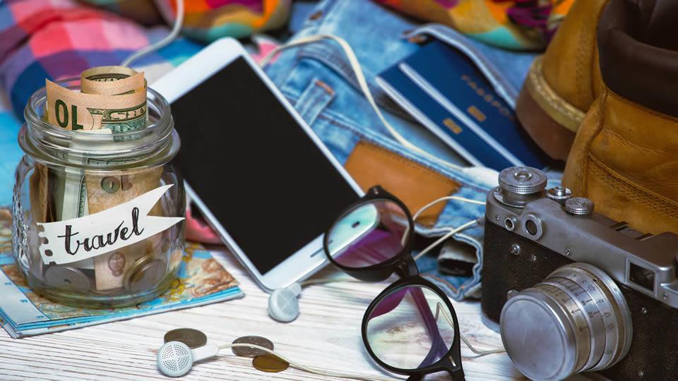 【旅行の持ち物】あると役立つ便利グッズ・必需品BEST20