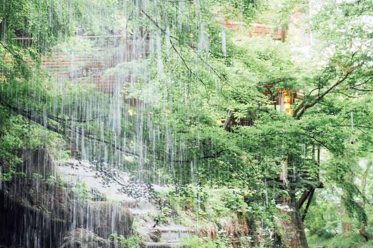 月待の滝 裏側