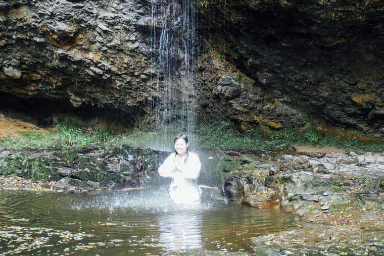 月待の滝 滝壺 滝行