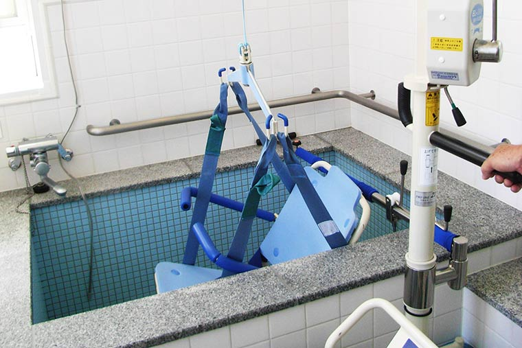 シーボルトの湯の入浴介助リフト