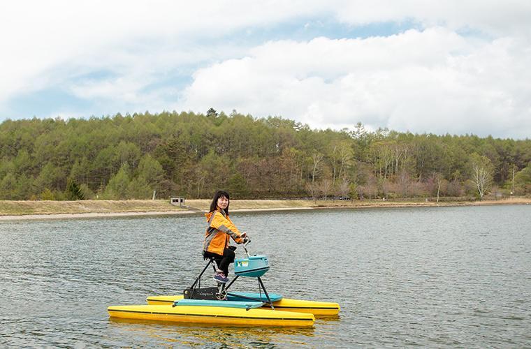女神湖のロボアメンボ