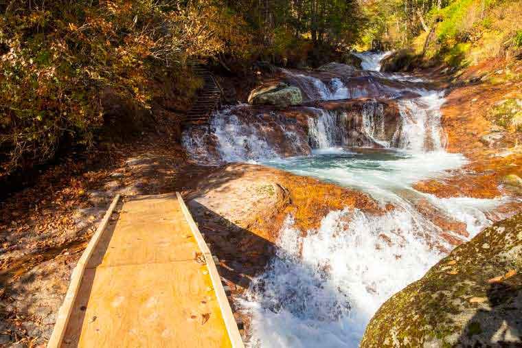 横谷渓谷 おしどり隠しの滝