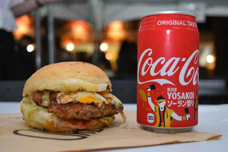 YOSAKOIソーラン祭り 十勝濃厚チーズバーガー