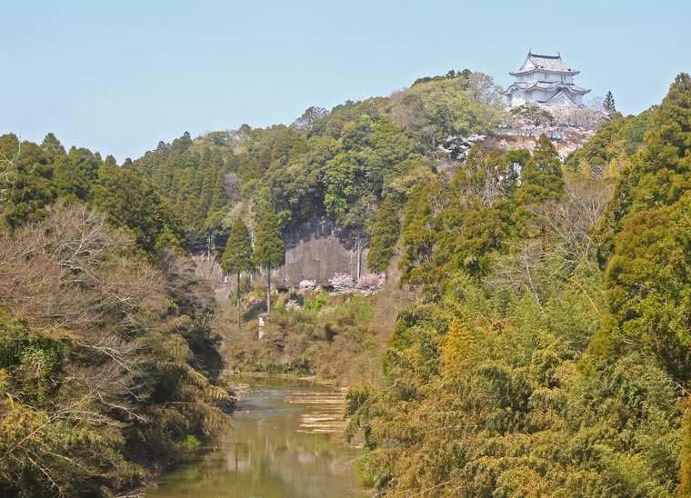 千葉 いすみ鉄道 ローカル列車 車内からの景色 大多喜城