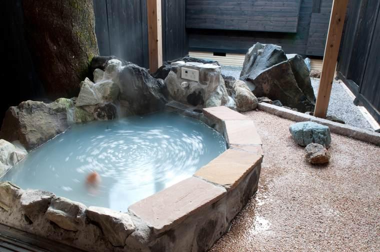 千葉「花山水」離れの露天風呂