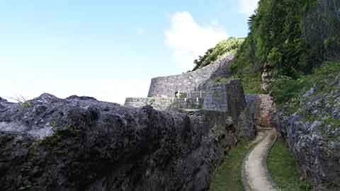 沖縄最終日はゆいレールと徒歩だけで楽しむ!沿線観光モデルコース