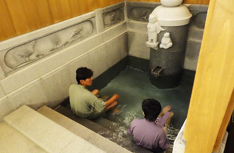 古代の貴人になったつもりで入浴が楽しめる