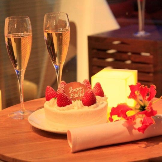 鉄板ダイニング ゆとりろ熱海 記念日(シャンパン・ケーキ)