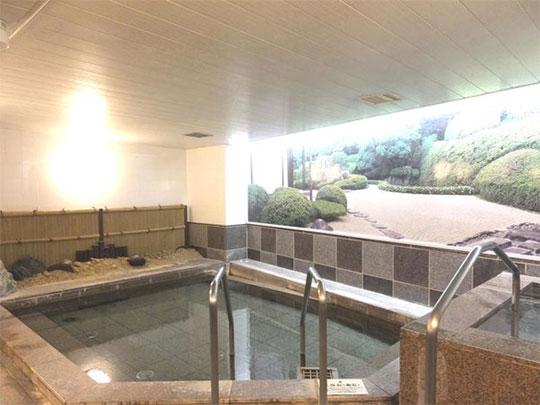 熱海温泉 伊東園ホテル熱海館 貴重な北投石を使用した本館大浴場
